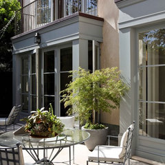 mediterranean patio by Studio William Hefner