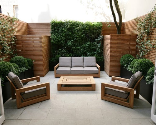 Small Contemporary Patio Vertical Garden Idea In London
