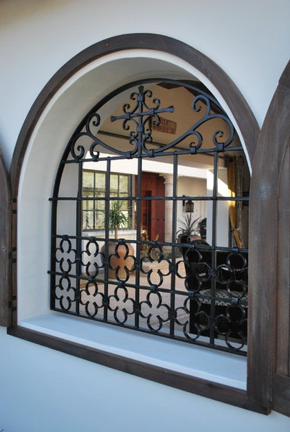 Traditional Patio by Grizzly Iron, Inc