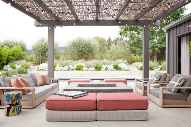 Transitional Patio by Katharine Webster Inc.