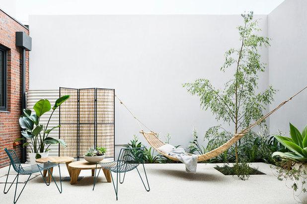 Современный Дворик by NORTHBOURNE Architecture + Design