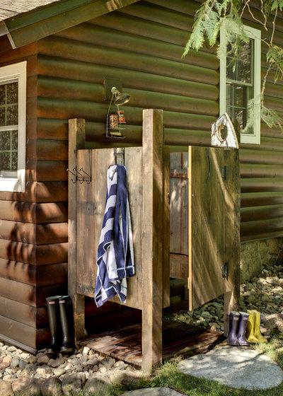 insolite 13 douches ext rieures tonnantes pour se rafra chir cet t. Black Bedroom Furniture Sets. Home Design Ideas