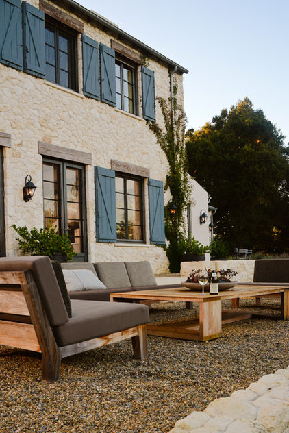 Mediterranean Patio by FGY Architects