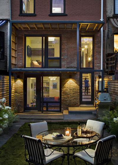 Klassisk Gårdhave by CWB Architects