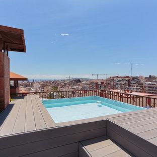 Diseño de piscina elevada, mediterránea, de tamaño medio, rectangular, en azotea