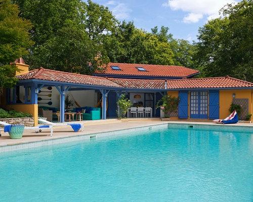 Ext rieur bord de mer avec un abri de piscine ou pool for Decoration bord piscine