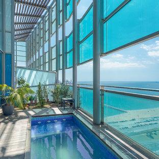 Imagen de casa de la piscina y piscina contemporánea, pequeña, rectangular y interior