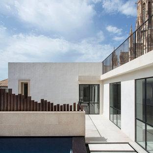 Diseño de piscina contemporánea, rectangular, en azotea