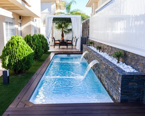 Fotos de piscinas dise os de piscinas en patio lateral for Casa de diseno henry beltran