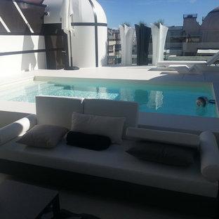 Modelo de casa de la piscina y piscina elevada, minimalista, de tamaño medio, a medida, en azotea