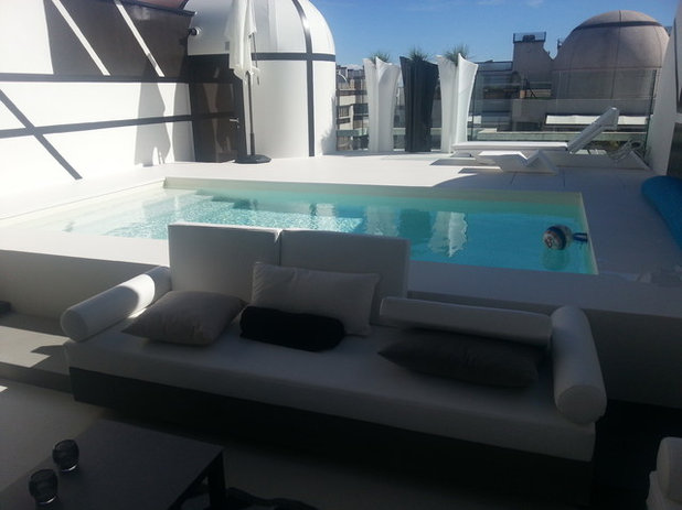 Moderno Piscina by UNIQUEDESING & DECOR