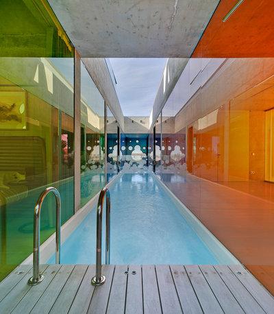 Contemporáneo Piscina by xpiral arquitectura