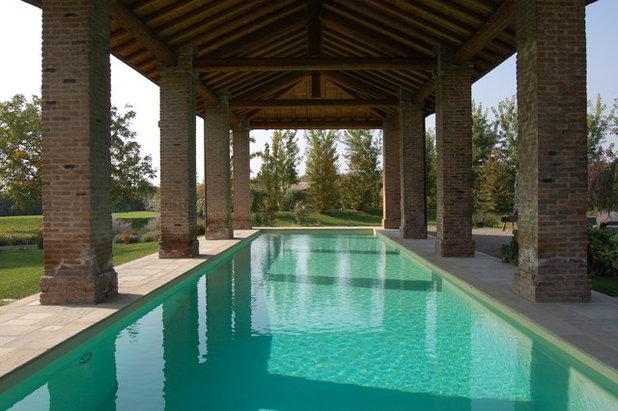 Farmhouse Pool by Maurizio Lazzari Architetto