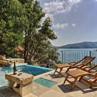 Diseño de piscinas y jacuzzis infinitos, mediterráneos, pequeños, rectangulares, en patio trasero