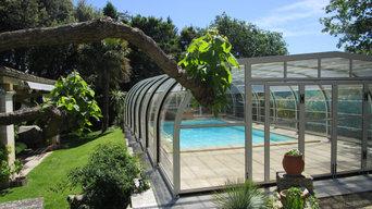 Vista della piscina e della copertura