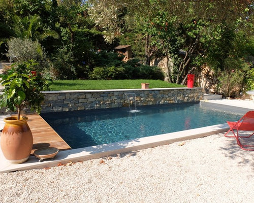 Front yard pool design ideas renovations photos with gravel for Pool in front yard ideas