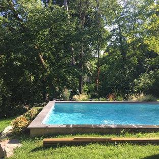 Foto di una piscina monocorsia scandinava rettangolare di medie dimensioni