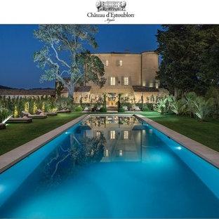 Создайте стильный интерьер: большой прямоугольный бассейн в стиле шебби-шик - последний тренд