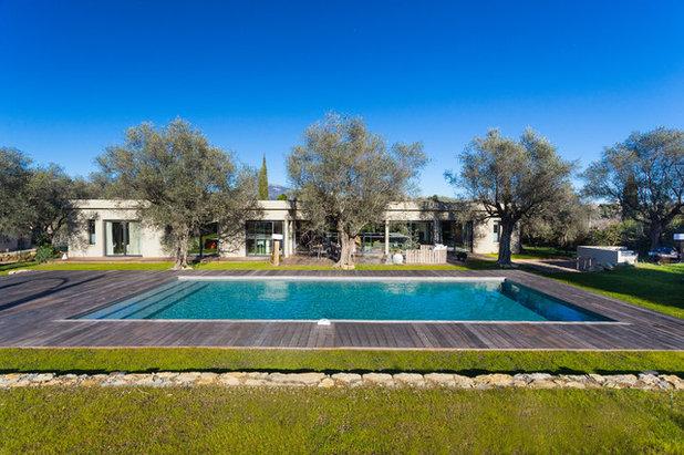 Le case houzz costruire una villa con piscina tra gli for Costo medio per costruire una casa con 4 camere da letto