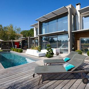 Idées déco pour une piscine arrière classique rectangle.