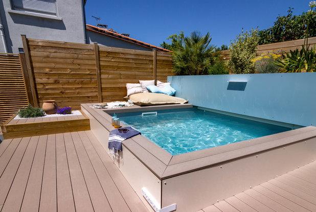 une petite piscine dans un petit jardin urbain en seulement trois semaines. Black Bedroom Furniture Sets. Home Design Ideas