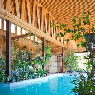 Diseño de casa de la piscina y piscina contemporánea, de tamaño medio, rectangular, con entablado