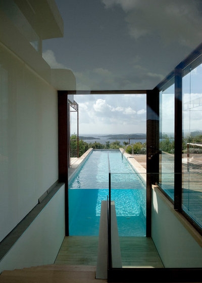 Contemporain Piscine by Agence Vezzoni