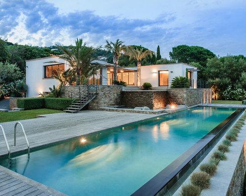 Pool design ideas remodels photos - Decoration autour d une piscine ...