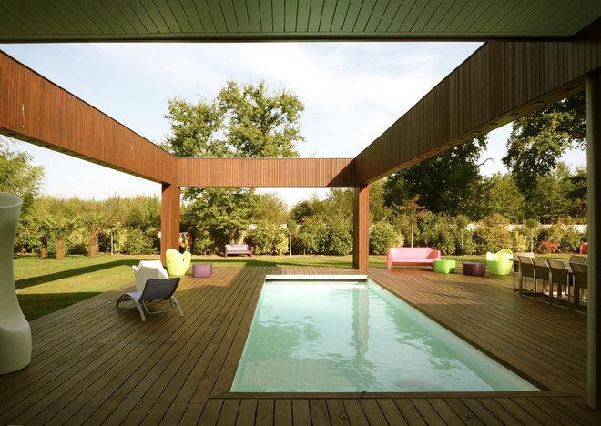 Mediterranean Pool by Bureau d'Architecture Modeste
