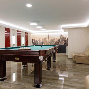 Удачное сочетание для дизайна помещения: подземный, большой подвал в современном стиле с бежевыми стенами, полом из керамогранита и серым полом без камина - самое интересное для вас