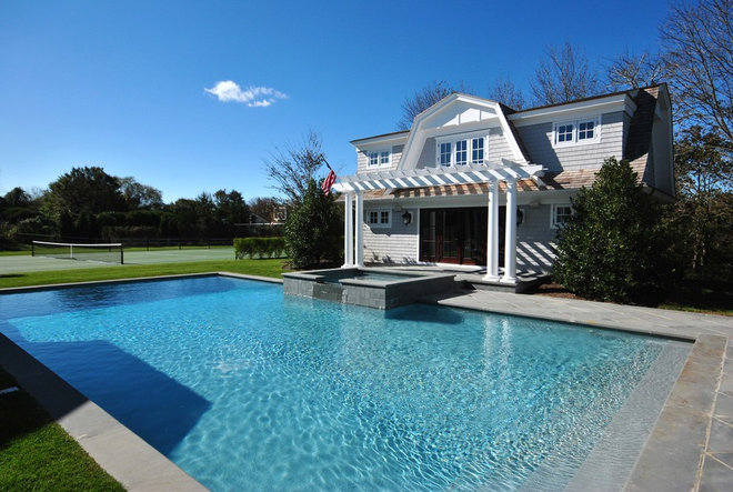 Traditional Pool by Oberholtzer Construction, Corp.