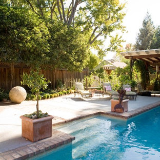 Example of a classic brick pool design in San Francisco