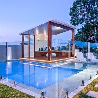 Inspiration pour une piscine design.