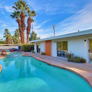 3 Palms - Swimming Pool