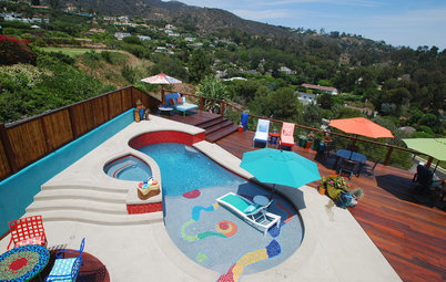 Houzz Tour: Color Explodes at a Surfer's Malibu Beach House
