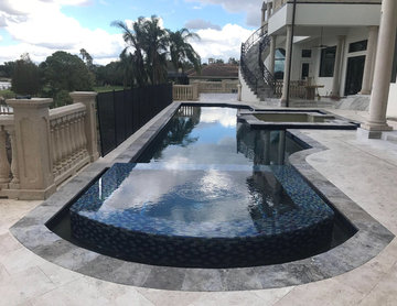 374 - Custom Pool with Built in Lounge and Spa