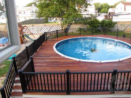 Traditional Pool by AdvantageLumber.com