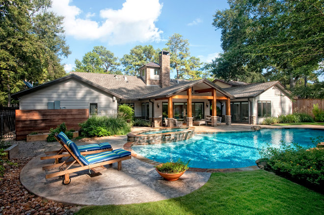 Traditional Pool by RD Architecture, LLC