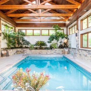 Modelo de piscina alargada, tradicional, interior y rectangular