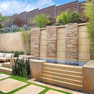 Foto de piscina elevada de estilo americano