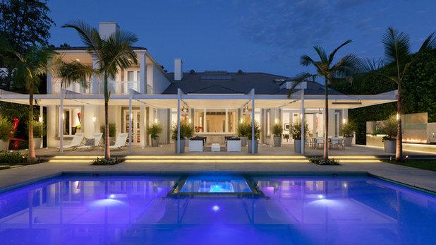 Cr ez un effet waouh en clairant votre piscine - Eclairage autour piscine ...