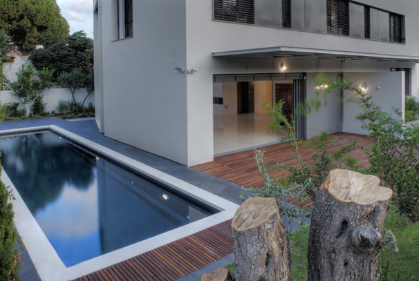 Modern Pool by Amitzi Architects