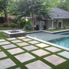 Traditional Pool by Southwest Greens Atlanta