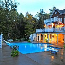 Traditional Pool by Douglas Aquatics Inc.