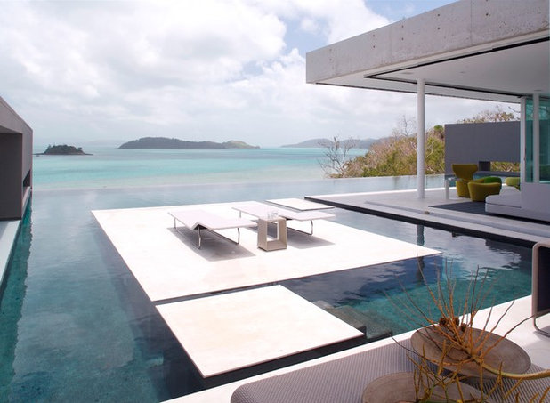 Modern Pool by RENATO D'ETTORRE ARCHITECTS
