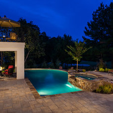 Traditional Pool by Keiffer Phillips - Patricia Brown, Builders  Inc.