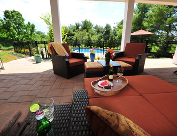 Backyard Oasis Free-Form Pool