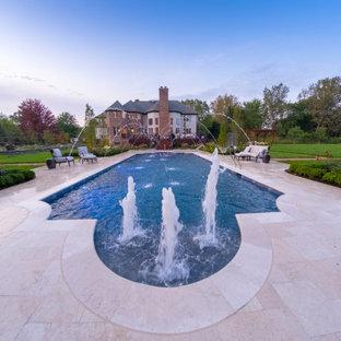 Barrington Hills, IL Scalloped Edge Pool with Round Hot Tub and Sunshelf
