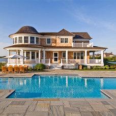 Beach Style Pool by Hamptons Habitat Enterprises Corp.