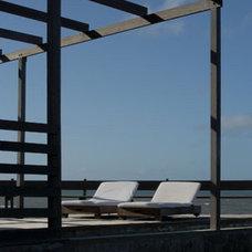 Beach Style Pool by Martin Gomez Arquitectos